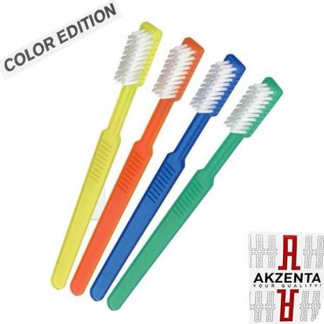 Brosse à dents avec du dentifrice de voyage Akzenta
